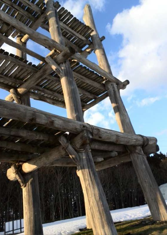 Sannai Maruyama Ruins in Aomori City show you what life was like up to 5500 years ago in the Jomon period.