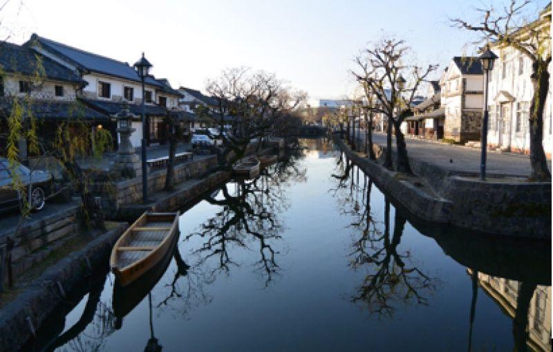 This is Kurashiki Bikan historical area in the evening.