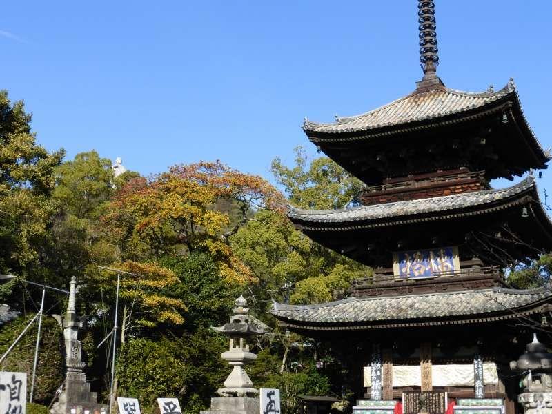 Ishiteji-temple  The Three-storied Pagoda