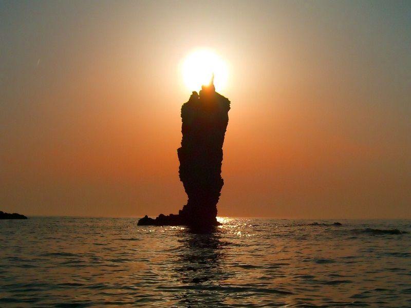 Rosoku-jima (Candle Rock)