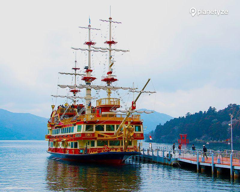 箱根海贼观光船