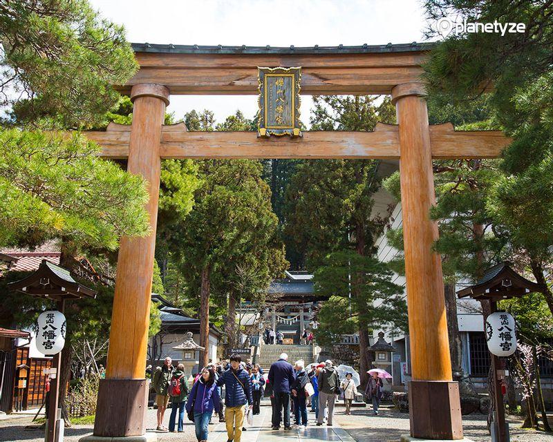 Sakurayama Hachiman-gu Shrine/Takayama Festival Yatai Kaikan (Exhibition Hall)