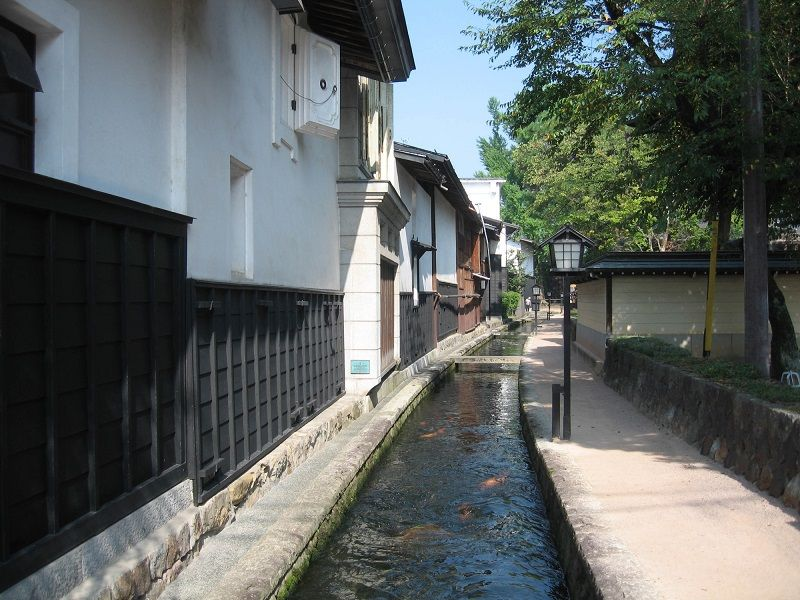 Shirakabe Dozogai (Town of White-Walled Storehouses)