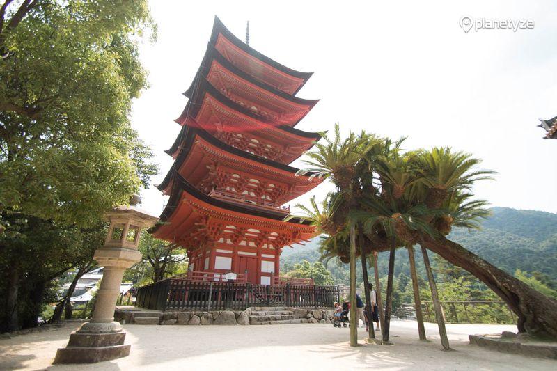 Gojunoto (Five Storied Pagoda)