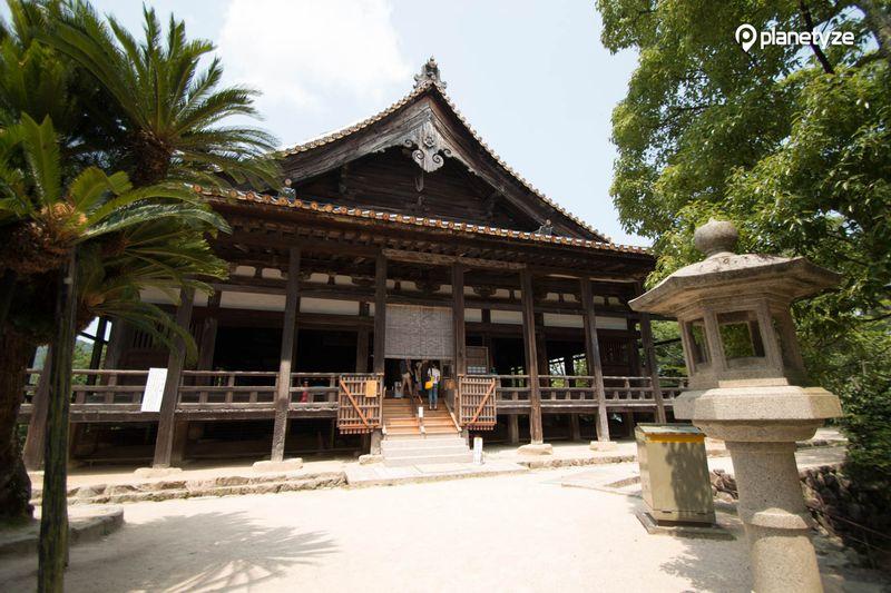 Houkoku Shrine (Senjokaku)