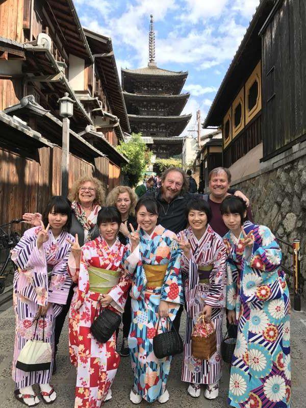 El Yasakano-to, torre budista de Yasaka donde está en el camino al Kiyomizudera.