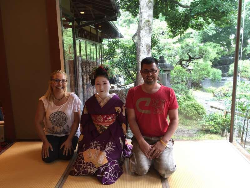 Gion es la zona que queda el ambiente tradicional en la que  viven geishas en unas casas.