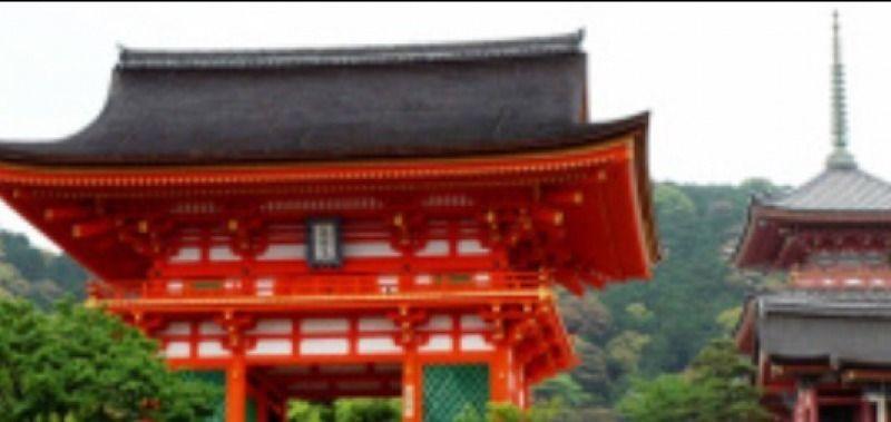 Kiyomizu Temple: Nio-Gate(Gate of the Deva Kings), Find a small mystery this entrance to the temple has!/ Kiyomizu Tempel: Nio-Tor, Finden Sie mal ein kleines Geheimnis, das dieser Eingang zum Tempel hat!