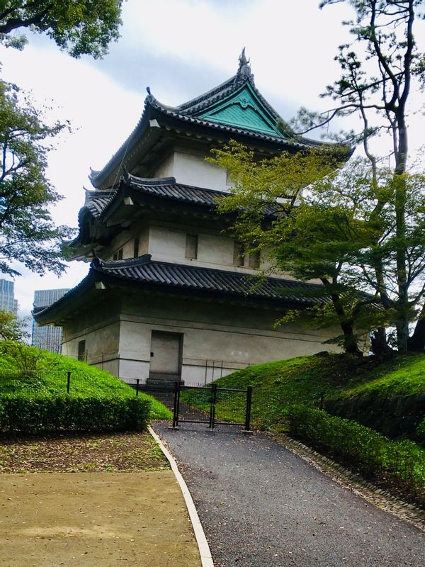 You can see the three-story turret of the Fujimiyagura at the Imperial Palace East Gardens in Tokyo.
