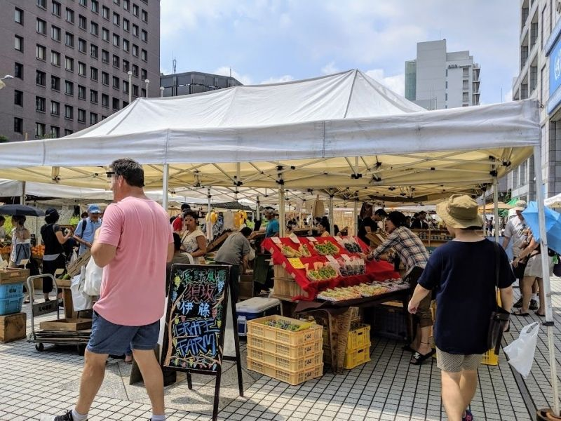 Farmer's Market in Aoyama :D  Always fun to look around and get some vegetables, seasonings, sweets and craft beers!