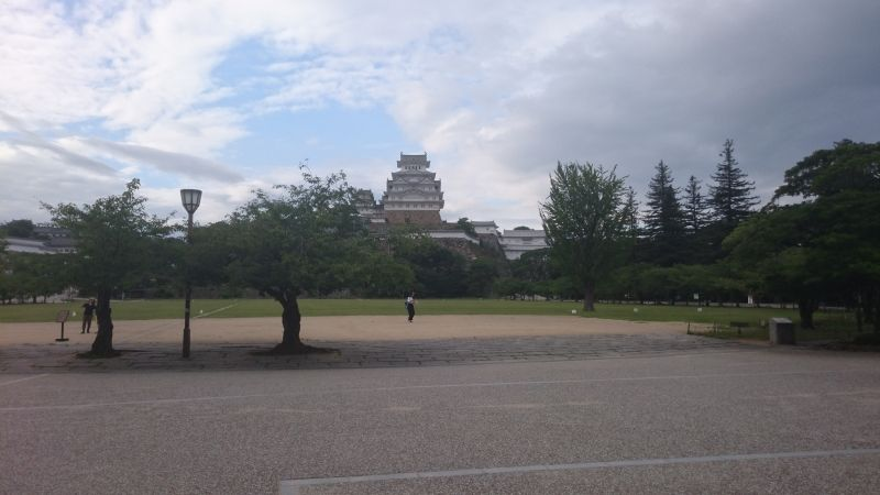 Himeji castle called as white heron castle,one of the world cultural heritage site in Japan.If you are still aggresive when you finish my Kobe tour,you can succeed to Himeji city to this castle. Or you can visit the castle on separate day. In this case you are recommended to visit Koukoen-garden which is next door of the castle.You can find several types of stroll gardens.