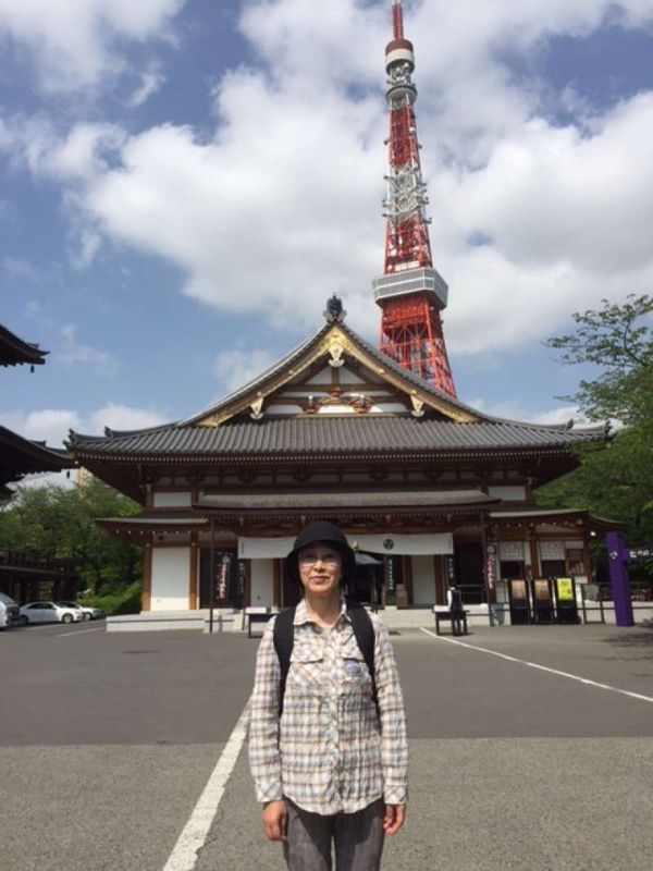Zojyoji and Tokyo Tower Zojyouji temple is the family temple of the Tokugawa Shogun's family. There are six tombs of Tokugawa Shoguns.