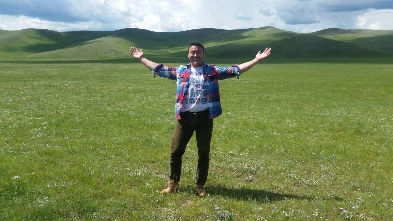 It is said that Mongolia is a country of blue sky and open steppe. Come and feel it with me.