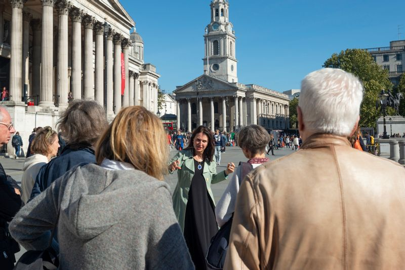Trafalgar Square - from street performers to high culture