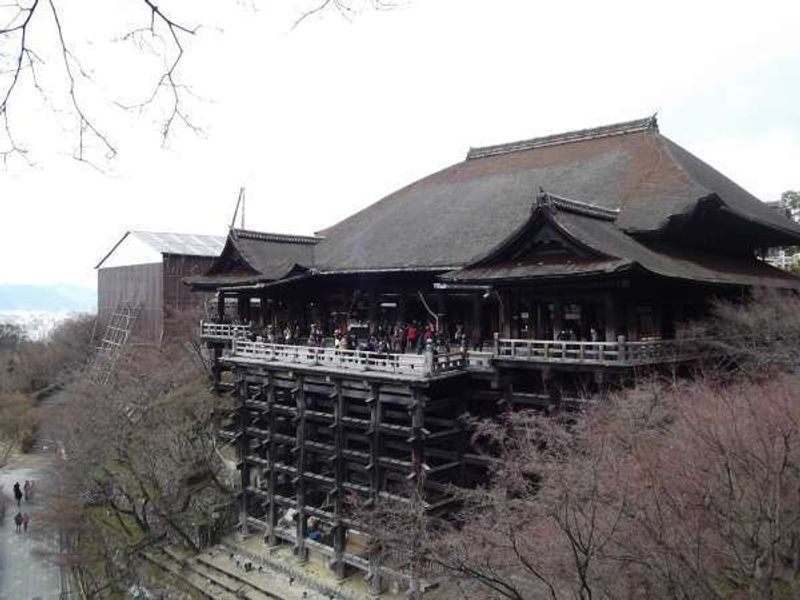 This is the temple of Kiyomizu-der in Kyoto originally built in 798 but rebuilt in 1633.