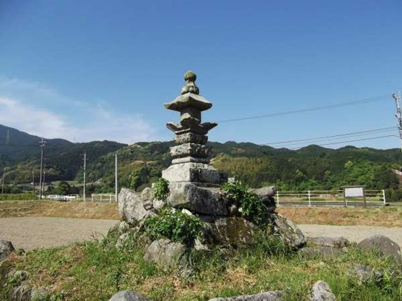 This is the memorial tower for a couple in Kyusyu.
