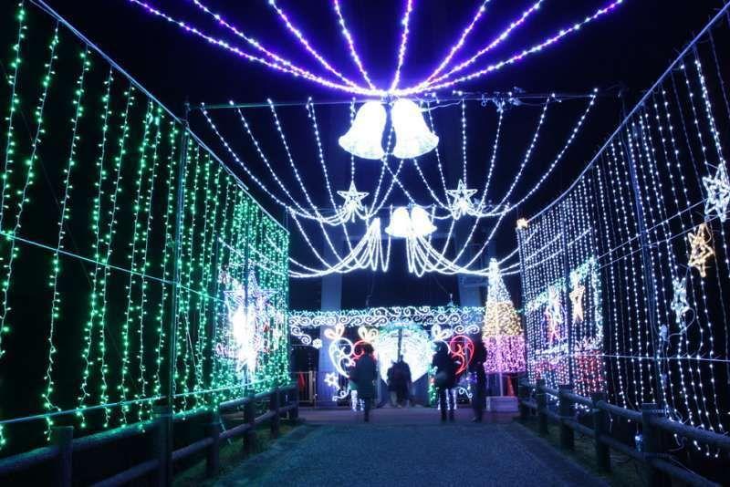 Christmas illumination at Miyagase, Kanagawa