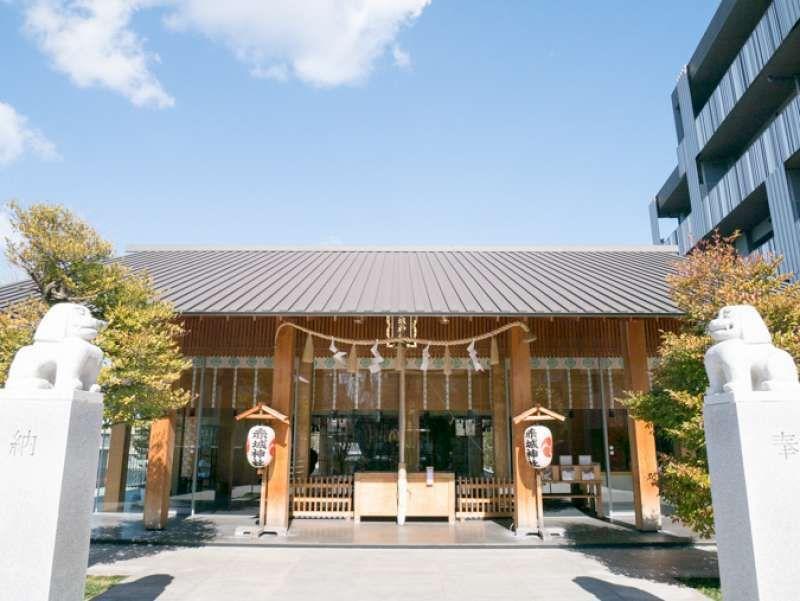 Akagi Shrine    One of the famous shrines in Kagurazaka Street . Remolded by Japanese famous architect Kengo Kuma.