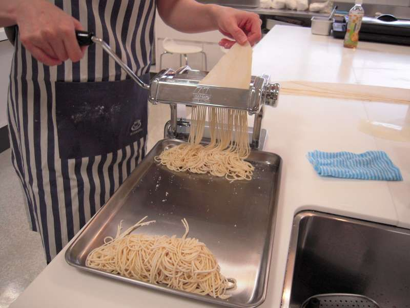 Let's make delicious Ramen in Fukuoka! It's fun and of course delicious!