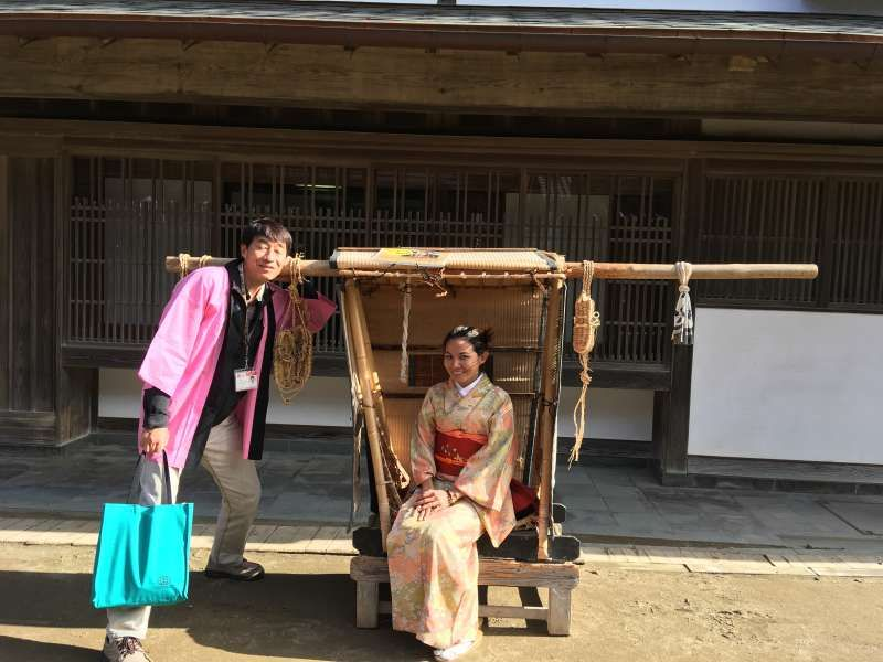 I guided a Thai lady to Boso-no-Mura, where we can enjoy cosplay. As this place is famous as a film location site, there are many photo spots.