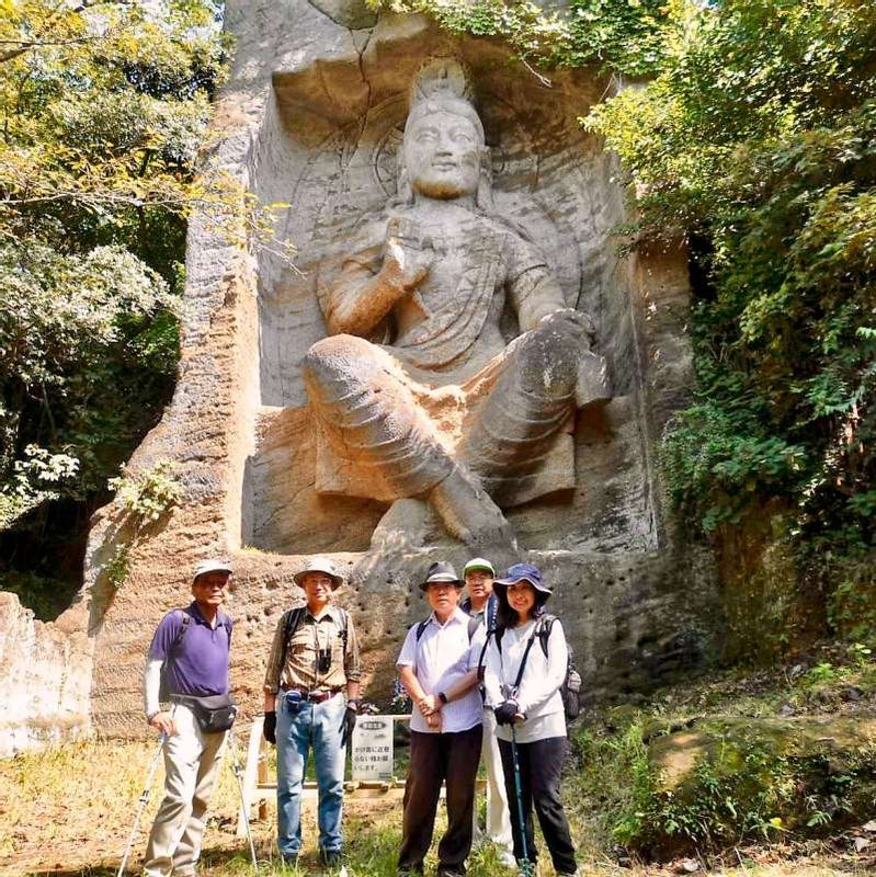 Magaibutsu; the Buddha grinned on the surface of cliff in Mt. Takatori, Yokosuka City. There is a hiking course between Jinmuji Station to Oppama Station. On the way, this Magaibutsu can be seen surprisingly big size.