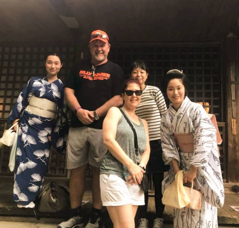 Meeting a Geisha group.