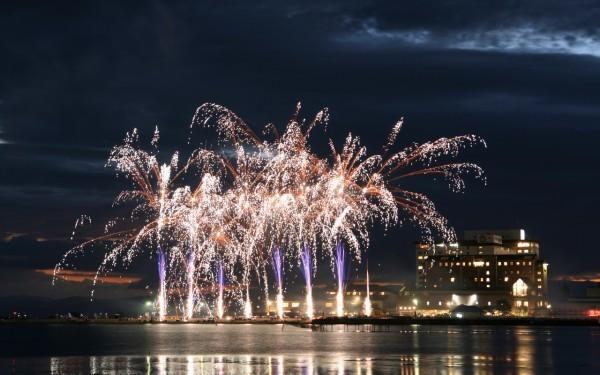 Summer Fireworks Festivals in Osaka, Kobe, Kyoto, Nara, Shiga and Wakayama 2014