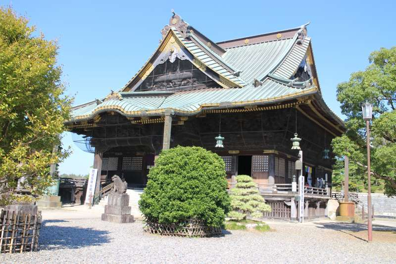 Shakado (Shakamuni) Hall, completed in 1868. It was previously used as the Main Hall.