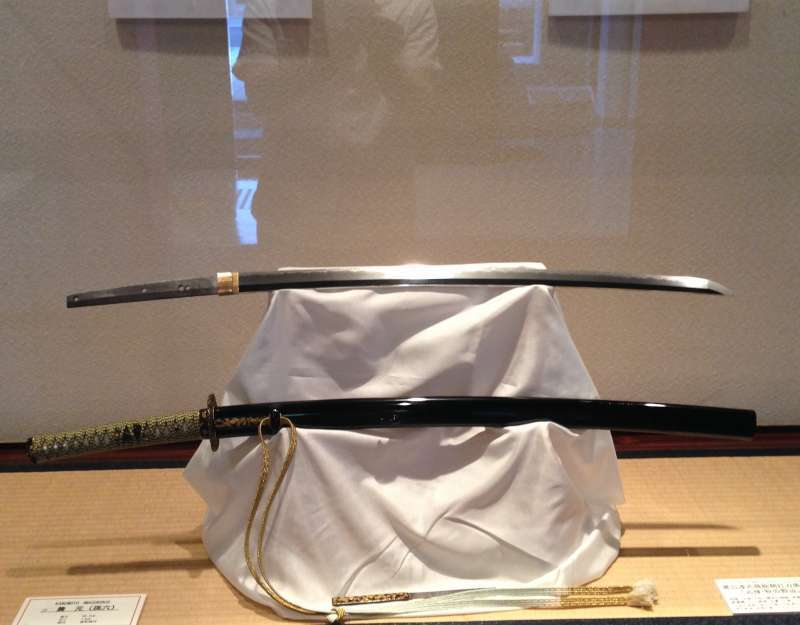 Many masterpieces are on display in Seki Traditional Sword Smith Museum. Visitors give a sigh of admiration when they see them.