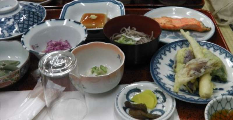 Shojin dinner at the shrine lodge