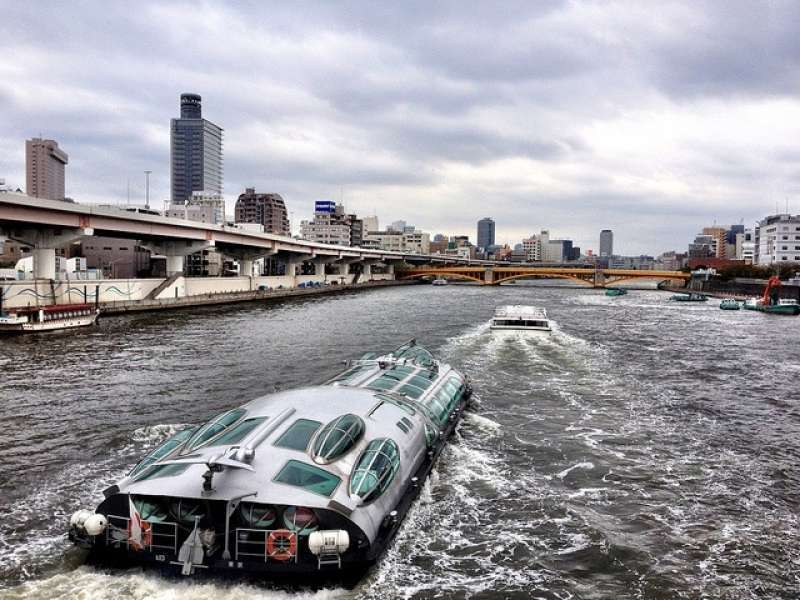 5. I'd recommend you go to Odaiba from Asakusa by waterbus unless it rains. You can enjoy the view along the river and several kinds of bridges.