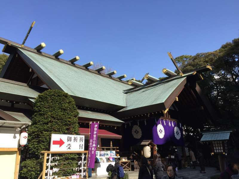 20. With the divine power of the deities of creation and growth which includes the virtue of togetherness, Tokyo Daijingu is popular as a shrine for a good marriage.