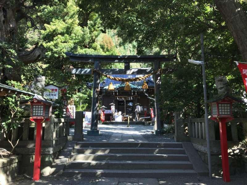 Yakumo shrine, a hidden power spot on a back street in Southeastern Kamakura Area