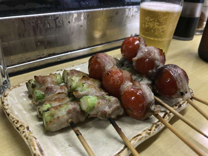 Kushiyaki, or skewered grilled food items, served at a small restaurant in Noge area