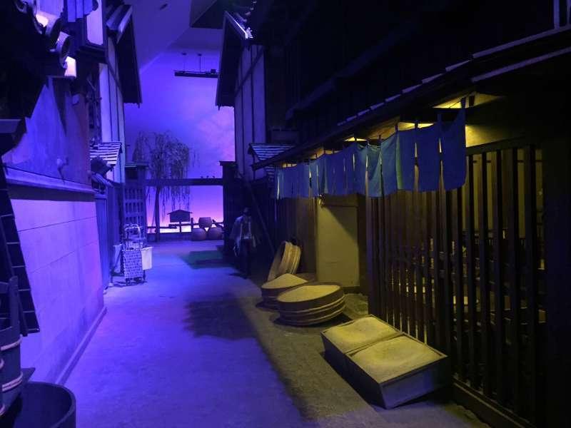 Fukagawa Edo Museum, taking you to city of Edo, former name of Tokyo, 300 years ago....