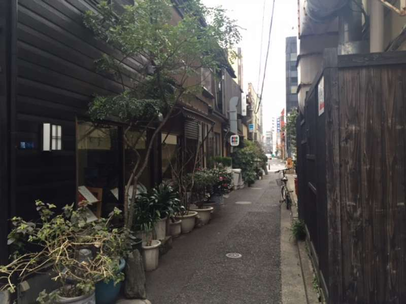 A narrow street in Ningyocho, one of a few area in the central Tokyo that retains the atmosphere of good old days