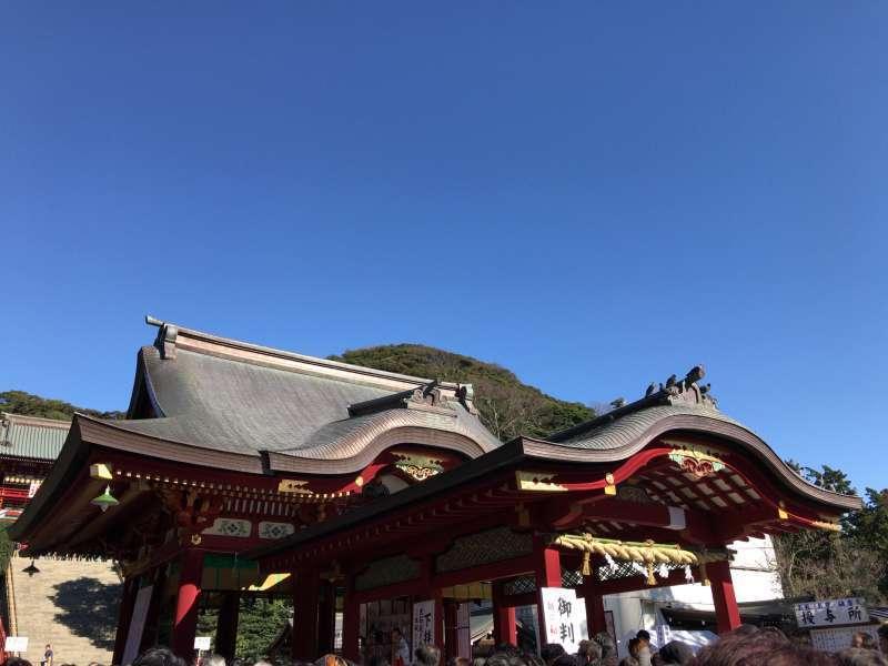 Shimohaiden, or Lower Worship Hall, where many rituals, dedicatory dances and music are performed, at Tsurugaoka Hachimangu Shrine in Kamakura