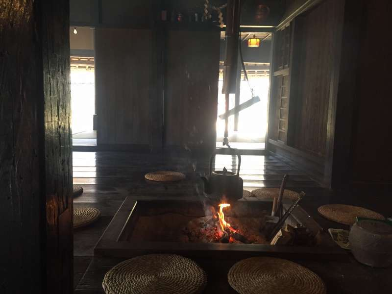 In winter, the demonstrations of making a fire by  the irori fireplace can be seen inside.