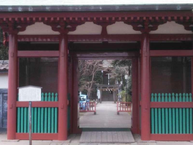 Senba Tosho-gu Shrine next to Kitain Temple