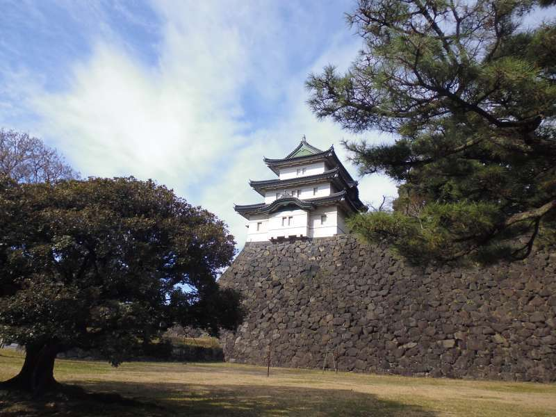 The Imperial palace is located on the old site of the Edo(present Tokyo) castle, so it is surrounded by moats and stone walls.
