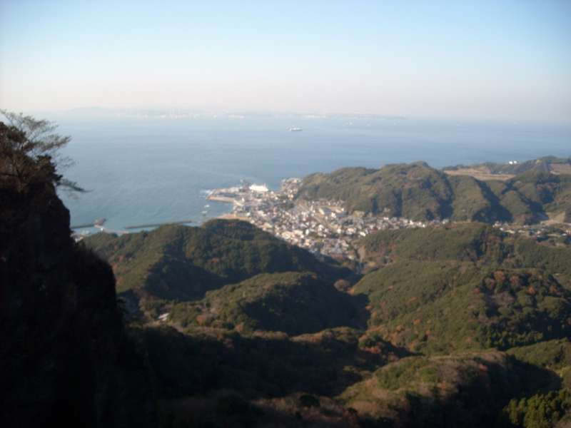 A view of Hamakanaya town from the summit