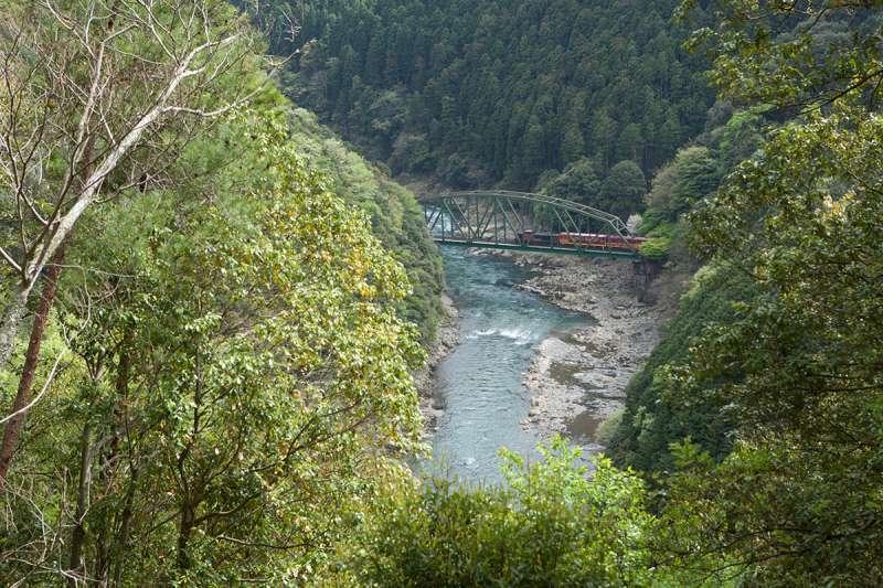Hozukyo Valley and a Romantic train