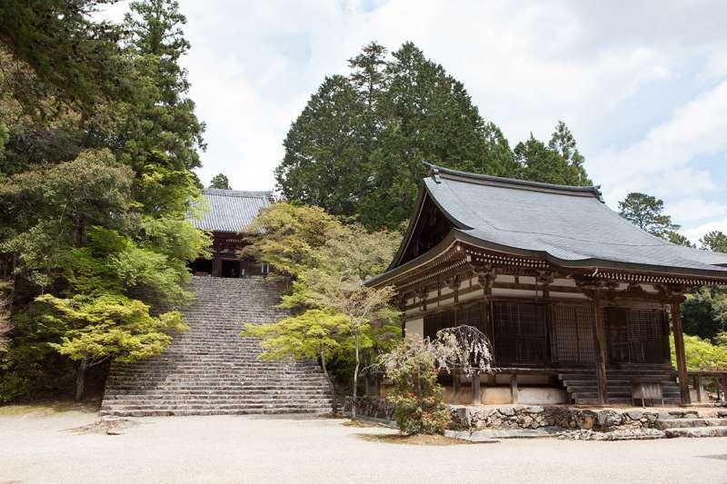 Kondo, the main hall, and Godai hall of Jingo-ji Temple