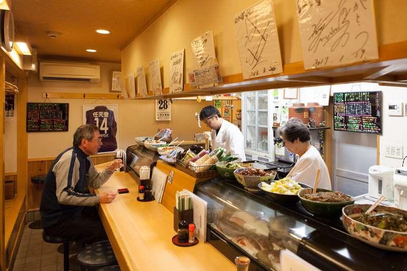 At Wakaba, a long-standing, popular izakaya restaurant in Fushimi