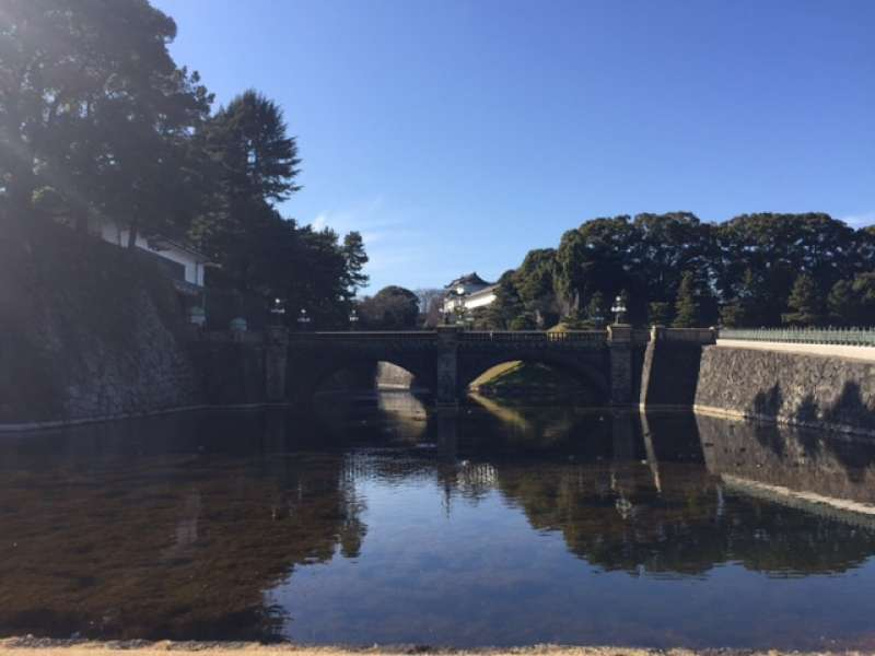 The Imperial Palace used to be Edo Castle, Tokugawa Shogunate's residence, so the moat and stone walls protected castle from attack of enemies.