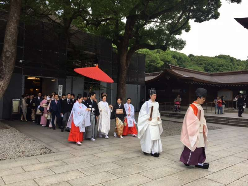 wedding procession in Meiji JIngu Shrine