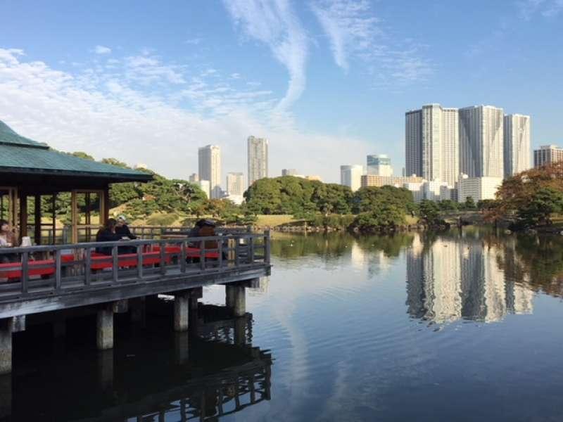 Hamarikyu Garden with the seawater pond near Tokyo Station