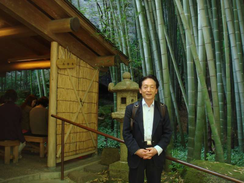 Tea house in Hokokuji temple surrounded by serene bamboo grove, and you can enjoy having a time for green tea.