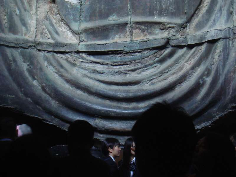 When getting inside Buddha statue, you can observe how to make such a large casting bronze in old time.  It is amazing to know sophisticated technology was already completed in 13 century.