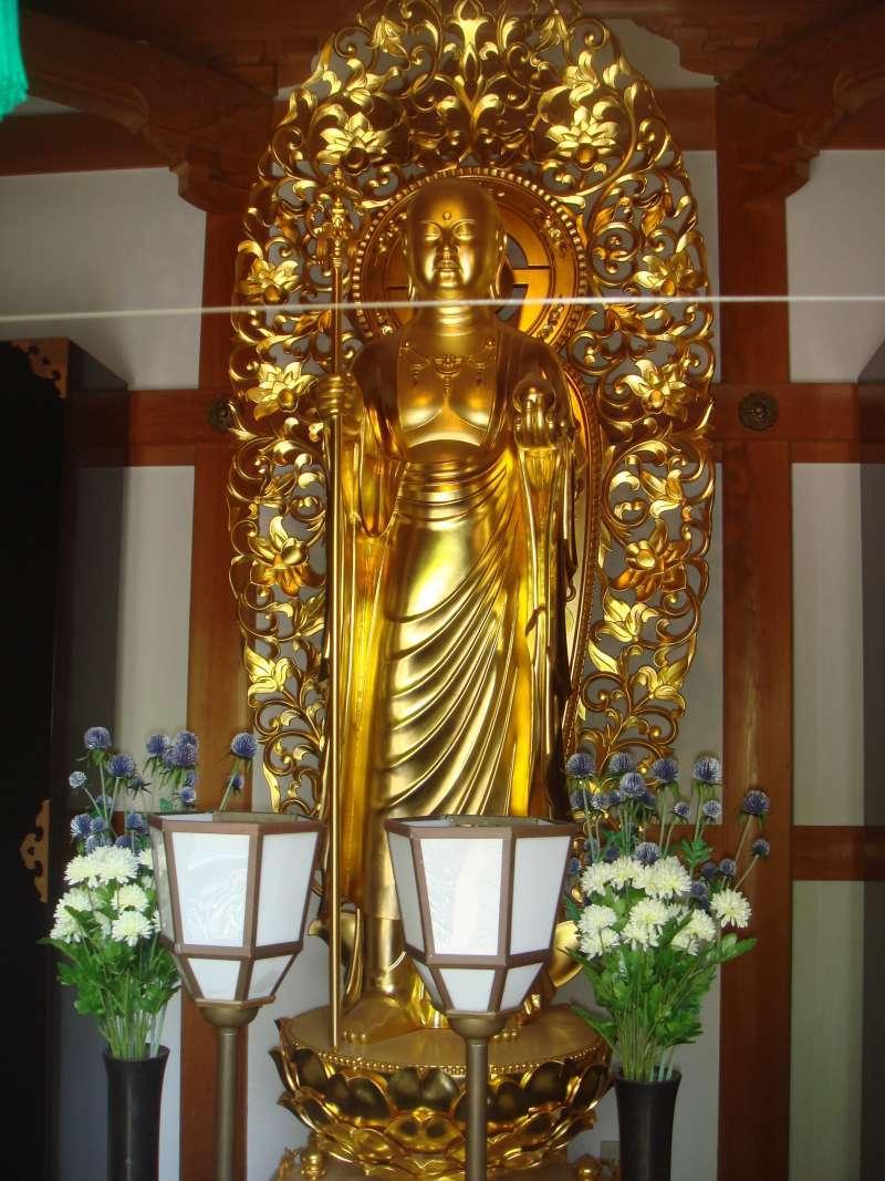 Golden color Jizo Bodhisattva in Hasedera temple.